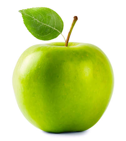 manzana: Manzana verde con hojas aisladas sobre fondo blanco Foto de archivo