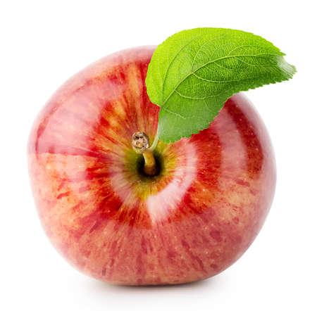 manzana roja: Disparo desde arriba de manzana roja con hojas verdes aisladas sobre fondo blanco