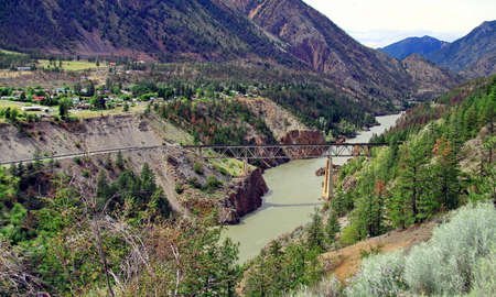 fraser river: Railway bridge in the mountains in Lillooet town
