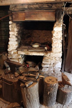 smithy: immagine di nero vecchia fornace per la fucina