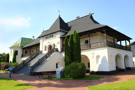 An ancient wooden barrier building in Novhorod-Siverskii. Ancient Slavonic architecture of Novhorod-Siverskii fortress 에디토리얼