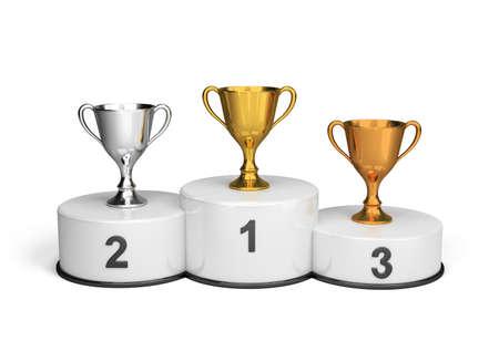 Coppe sul podio in attesa per i vincitori. Immagine 3D. Sfondo bianco. Archivio Fotografico - 39645051