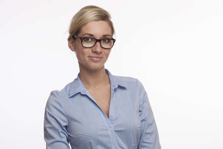 junge Mädchen mit Brille