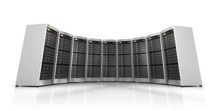 centro de computo: Fila de servidores de red en centro de datos aislados sobre fondo blanco