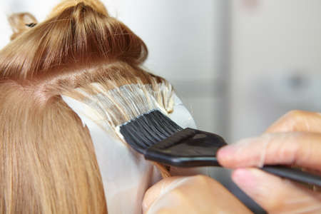 tinte cabello: Peluquer�a. Colorear.