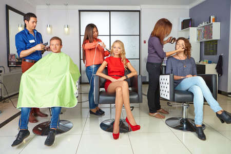 cutting hair: Workflow in hair salon.
