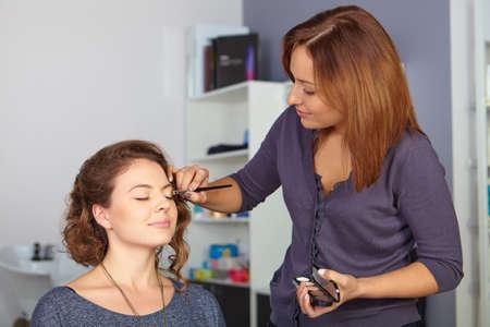 visagiste: Hair salon. Womens makeup.
