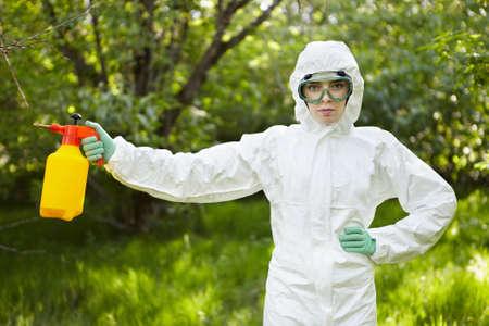 contaminacion ambiental: Ecolog�a y contaminaci�n ambiental. Insecticida.