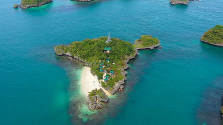 Aerial view of Small islands with beaches and lagoons in Hundred Islands National Park, Pangasinan, Philippines. Famous tourist attraction, Alaminos. Zdjęcie Seryjne