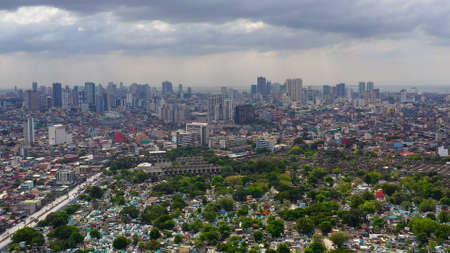 Manila North Cemetery and Makati City is one of the most developed business district of Metro Manila and the entire Philippines. Travel vacation concept Banque d'images