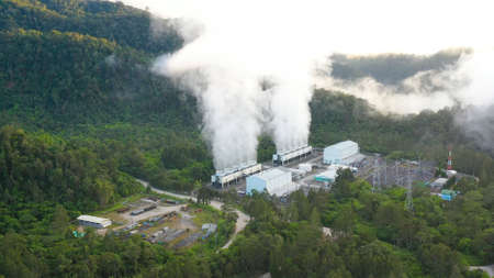 Aerial view of geothermal power production plant. Geothermal power station near to the active volcano Apo. Mindanao, Philippines Standard-Bild