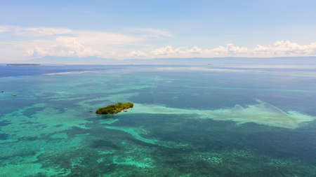 Tropical island in the middle of a coral reef . Summer and travel vacation concept. Panglao, Philippines. Standard-Bild