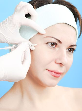 Beautiful woman receiving a botox injection Stock Photo - 5925062