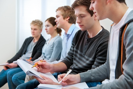 studygroup: group of students studying together in classroom