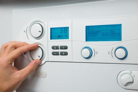 温水と暖房のガスボイラーのコントロール パネル 写真素材