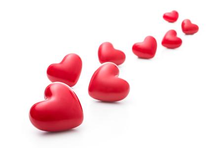 te amo: Meny corazones rojos aislados en el blanco