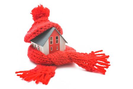 Thermische isolatie, huis energieconcept efficiëntie op wit wordt geïsoleerd Stockfoto