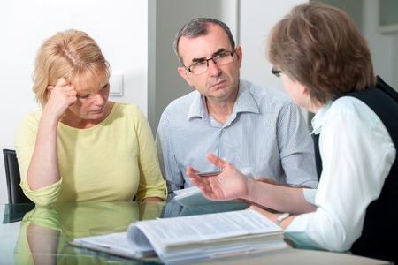 Couple adulte milieu en thérapie de mariage professionnel Banque d'images - 30529625