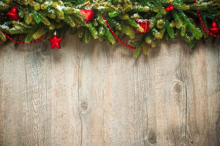 christmas design: vintage Kerstdecoratie op oude houten achtergrond Stockfoto