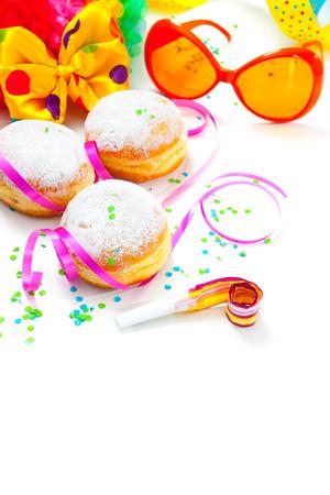 carnaval: Krapfen ou beignets � la confiture et le sucre glace Banque d'images