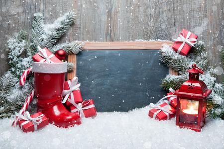 navidad: La decoraci�n de Navidad de la vendimia con la pizarra para el mensaje