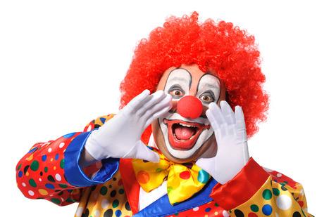 Ritratto di un clown urlando isolato su sfondo bianco