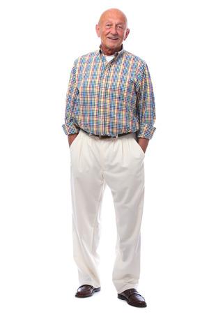 白で隔離される笑顔幸せなシニア男の肖像