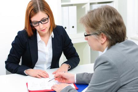 Stellenbewerber mit einem interview Standard-Bild - 38005239