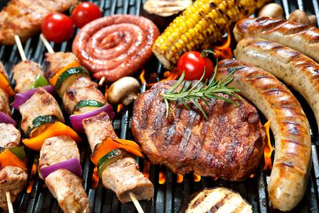 バーベキューで炭火野菜焼き盛り合わせ美味しい肉