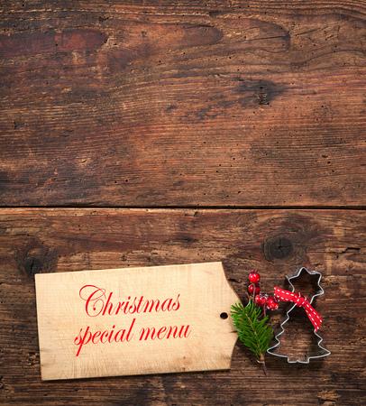 comida de navidad: Tarjeta del men� de Navidad para los restaurantes en el fondo de madera