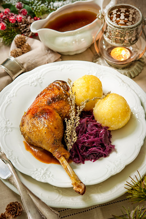 canard: Crusty Christmas goose leg with braised red cabbage and dumplings