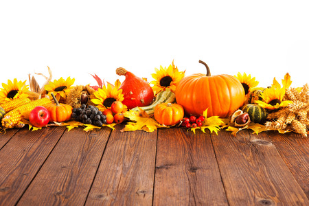 fall leaf: Autumn decoration arranged with dry leaves, pumpkins and more on wooden board