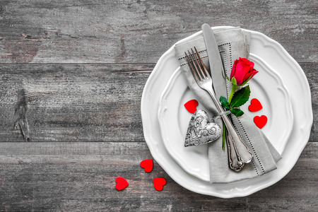 Valentines day table place setting. Holidays background Imagens