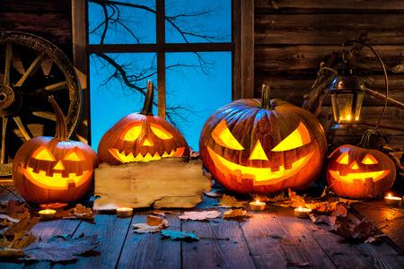 Halloween tête de citrouille prise lanterne bougies