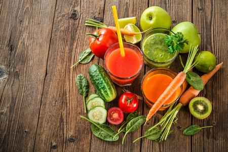 Various freshly squeezed fruit and vegetable juices Zdjęcie Seryjne