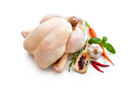흰색 배경에 고립 된 원시 치킨