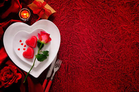 Romantic table setting for Valentines day Фото со стока - 70523512