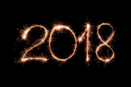 2018 Text aus Sparkler Feuerwerk Licht gemacht