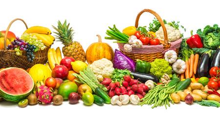 Légumes frais et fruits Banque d'images - 81387025
