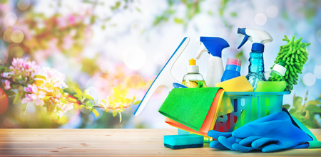 Concepto de limpieza. Limpieza de la casa, higiene, primavera, tareas domésticas, limpieza, artículos de limpieza.