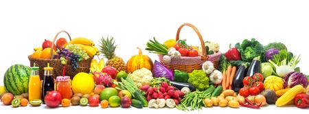 Fresh vegetables and fruits background Banque d'images - 105721140