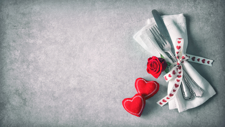 Valentines day table place setting. Фото со стока