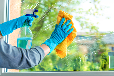Cleaning window pane with detergent, spring cleaning concept Stock fotó - 123201107