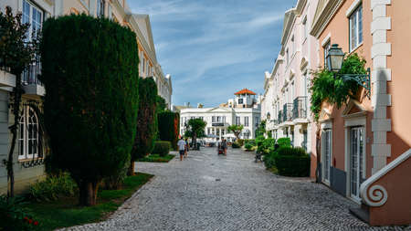 The Old Village in Algarve, Portugal is a collection of 280 properties built in 18th century Portuguese and English architecture nestled in the centre of the Pinhal Golf Course in Vilamoura, Algarve Banco de Imagens - 111214778