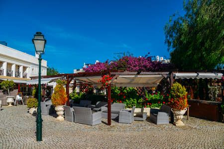 The Old Village in Algarve, Portugal is a collection of 280 properties built in 18th century Portuguese and English architecture nestled in the centre of the Pinhal Golf Course in Vilamoura, Algarve Banco de Imagens - 111214826