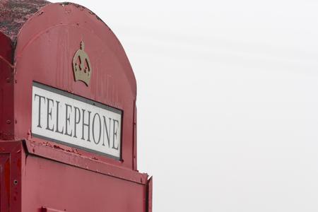 cabina telefono: cabina de teléfono roja tradicional Inglés
