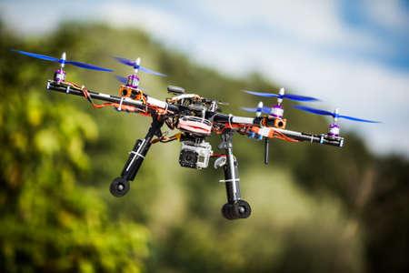 Drone di carbonio professionale con GPS fare un giro. Archivio Fotografico - 24986264