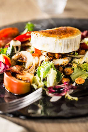 queso de cabra: Typical spanish goat cheese salad.