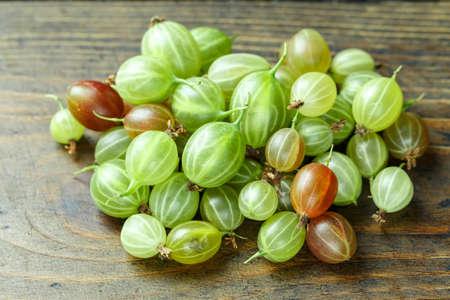 Green Organic Berries Gooseberries. Natural food 写真素材 - 101732246