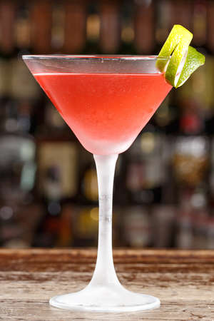 Drink on the basis of cranberry juice, lemon juice and vodka. Classic American cocktail